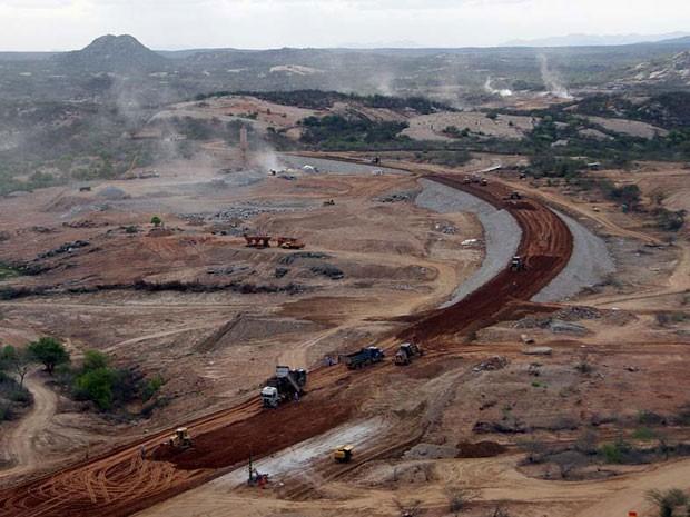 Barragem de Oiticica está sendo construída entre as cidades de Caicó e Jucurutu (Foto: Canindé Soares)
