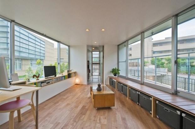 A casa ainda conta com um espaço para home office (Foto:  Hiroshi Tanigawa/Divulgação)