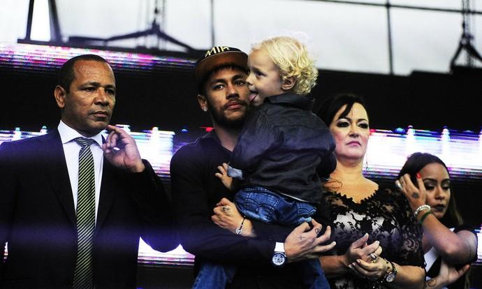 Neymar família (Foto: Marcos Ribolli)