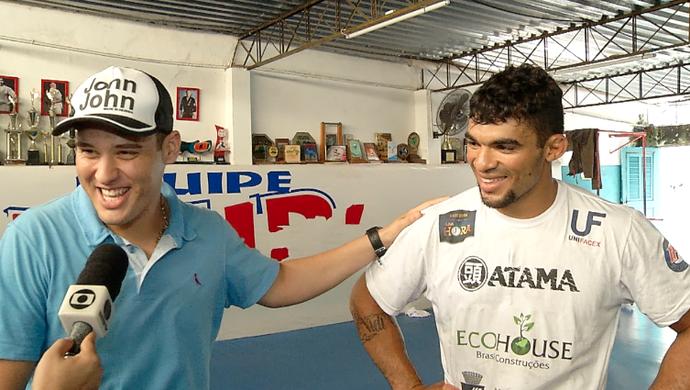 Mc Jack faz homenagem ao lutador Ronny Marques (Foto: Reprodução/Inter TV Cabugi)
