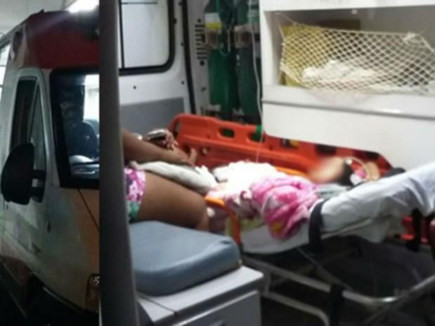 Criança brincava com arma do pai quando disparou contra o próprio corpo (Foto: itamarajunoticias.com.br)