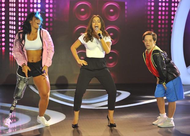 Anitta com seu balé inclusivo (Foto: Samuel Chaves/Brazil News)