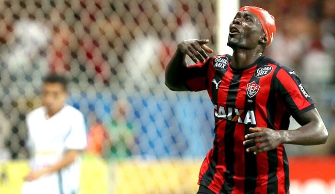 Kanu comemora gol do vitoria contra o Luverdense (Foto  Felipe Oliveira    Estadão Conteúdo bb43865185262
