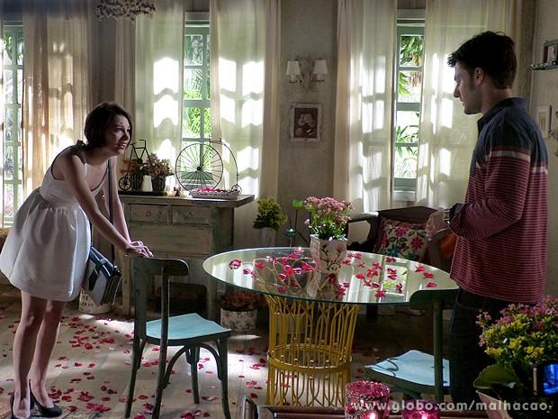 Micaela tenta se desculpar com Martin pelo plano de Flaviana (Foto: Malhação / TV Globo)