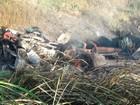 Carreta pega fogo após capotamento e motorista morre carbonizado na BA