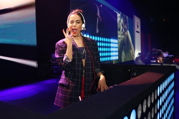 Anitta ataca da DJ em festa em São Paulo (Foto: Manuela Scarpa/Brazil News)