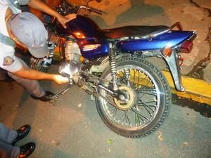 Moto furtada foi recuperada pelos Policiais Militares em Registro, SP (Foto: Divulgação / Polícia Militar)