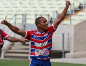 Edinho comemora gol do Fortaleza contra o Horizonte (Foto: Divulgação/Fortaleza)