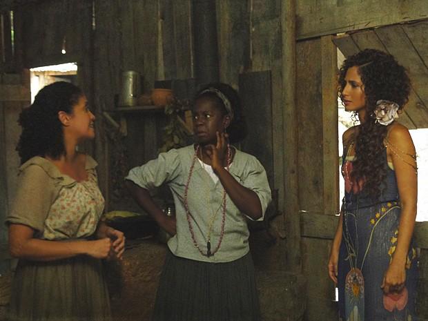 Isabel desconfia que Elias seja seu filho (Foto: Lado a Lado / TV Globo)