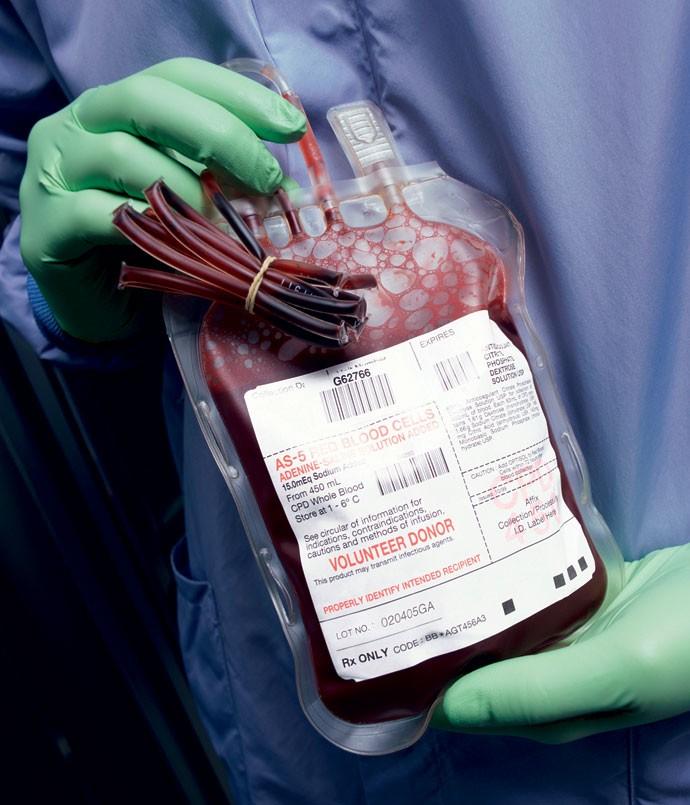 COMPRO E VENDO SANGUE UNIVERSAL TIPO O- / DOAÇÃO - Nos Estados Unidos é possível comprar e vender sangue. No Reino Unido e no Brasil, não. Curiosamente, o sistema de doação funciona muito melhor entre os britânicos, onde raramente falta sangue nos bancos especializados. (Foto: Jupiterimages)