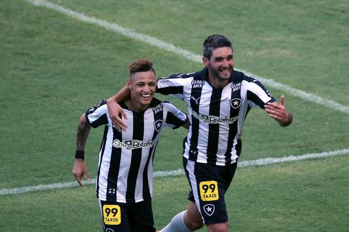 Navarro e Neilton Botafogo (Foto: Sátiro Sodré/SS Press)