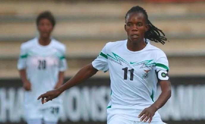 Mupopo em ação pela seleção de futebol feminino de seu país (Foto: Divulgação)