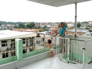 Moradora diz que explosão causou tremor (Foto: Isabela Santos/Arquivo )