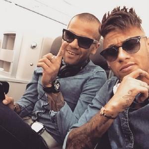 Neymar Daniel Alves viagem Berlim (Foto: Reprodução/Instagram)