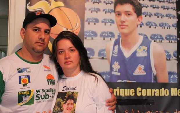 basqute mãe e padrasto David Meira atelta Brasília acidente (Foto: Fabrício Marques)