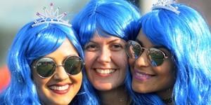 Fãs de Katy Perry enfeitam Rock in Rio com orelhas de gato e perucas (Alexandre Durão/G1)