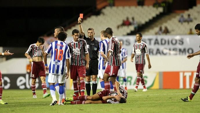 Betinho foi expulso contra o Fluminense, no jogo de volta das oitavas da Copa do Brasil (Foto: Akira Onuma/O Liberal)
