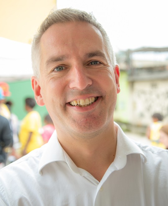 INOVAÇÃO PARA TRANSFORMAÇÃO  O britânico Jonathan Douglas, da ONG National Literacy Trust, afirma que é preciso apostar em parcerias inusitadas para atrair novos leitores (Foto: Divulgação/British Council)