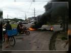 Em protesto, moradores interditam rotatória de avenida em Ananindeua