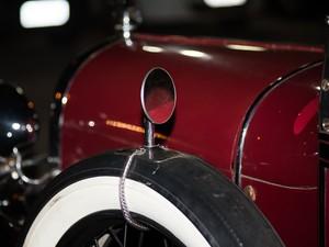 Detalhes e conservação chamam atenção no modelo Ford A (Foto: Érico Andrade/G1)