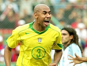 Luisao, comemora gol pela seleção brasileira (Foto: Agência Reuters)