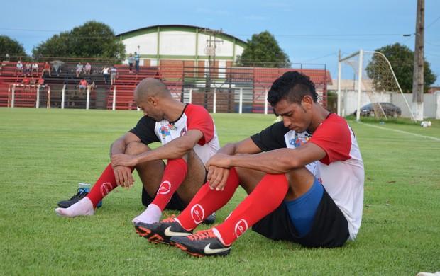 Zagueiro do CAP no Estadual, Nino quer uma chance na Série D (Foto: Paula Casagrande)
