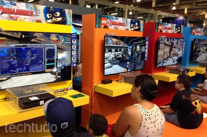 Lego Marvel's Avengers atraiu o público jovem na BGS (Foto: Cassio Barbosa/TechTudo)