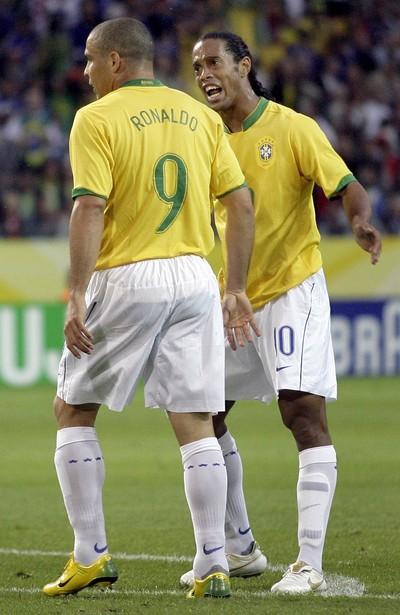 O maior Ronaldo  Fenômeno bate CR7 e R10 em enquete com especialistas 098cc5ff8b6d2