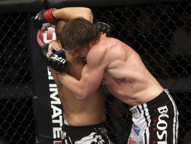 Matt Riddle finaliza Chris Clements no UFC 149, no Canadá (Foto: Getty Images)