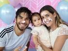 Deborah Secco e Hugo Moura celebram 'mesversário' de Maria Flor