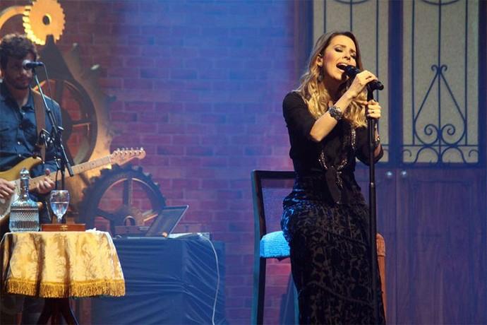 Sandy apresentou Meu Canto em Curitiba (Foto: Lucas Sarzi)