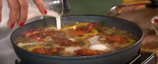 Moqueca de Ovos com Camarões Secos