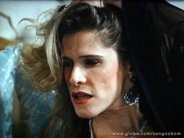 Tina faz carão de diva (Foto: Sangue Bom / TV Globo)
