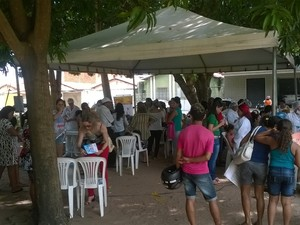 Senac realizou serviços de podologia e tratamento facial. (Foto: Paulo Fernandes/TV Clube)