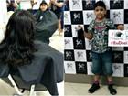 Menino abre mão de cabelos longos e doa para crianças com câncer no Acre