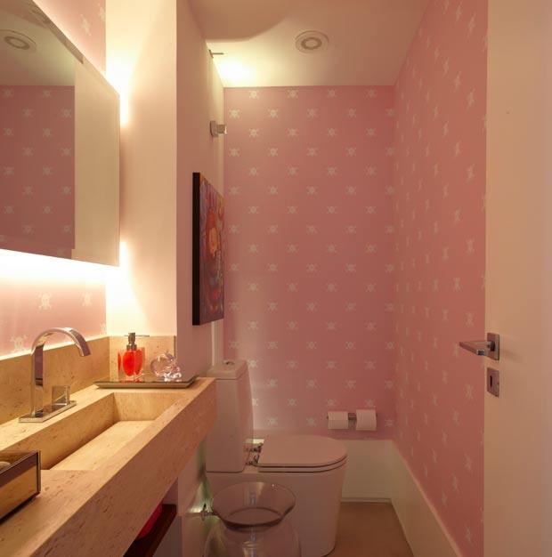 lavabo-papel-de-parede-Carol-Lovisaro (Foto: Edu Castello/Editora Globo)