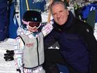 Roberto Justus se diverte com a filha Rafaella Justus em estação de esqui