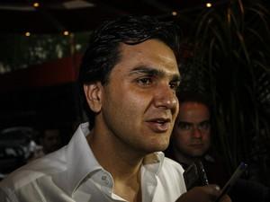 Gabriel Chalita (PMDB) participa da apuração em comitê eleitoral do PT (Foto: Vagner Campos/G1)
