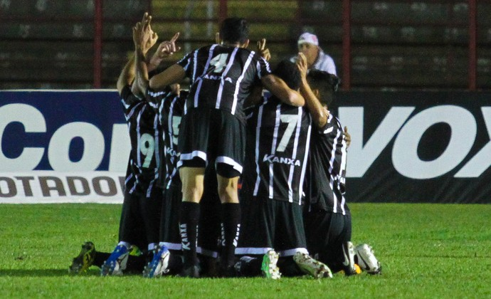 Bragantino gol sobre o Mogi (Foto: LUCIANO CLAUDINO - Agência Estado)
