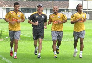 Ganso, Arouca, Jonathan treino Santos (Foto: Adilson Barros /  Globoesporte.com)