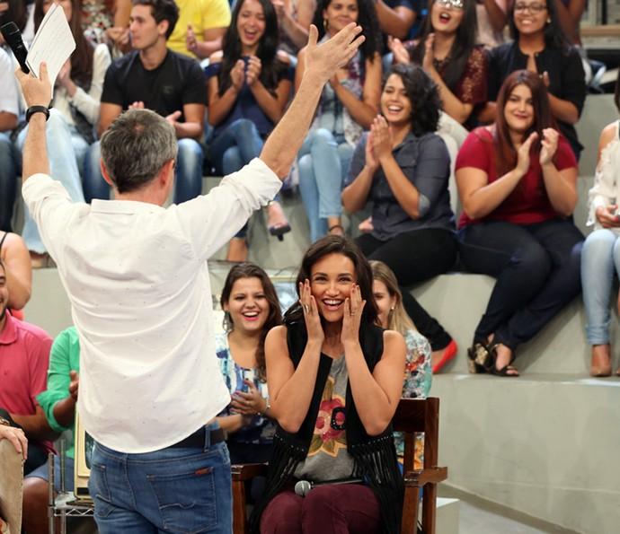 Serginho faz festa com Débora Nascimento (Foto: Carol Caminha/Gshow)