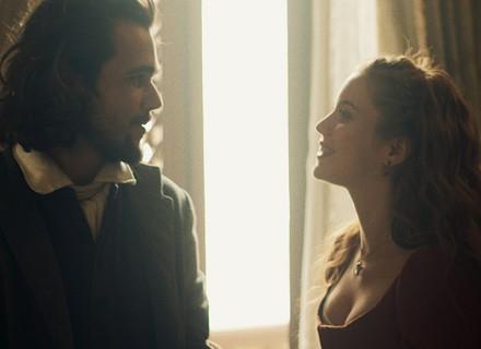 Xavier pensa em Joaquina enquanto Branca planeja casório