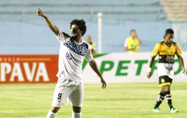 Artur comemoração gol Londrina contra Criciúma (Foto: Fernando Ribeiro / Agência Estado)