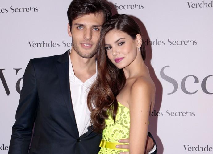 Camila posa com o namorado (Foto: Felipe Monteiro/Gshow)