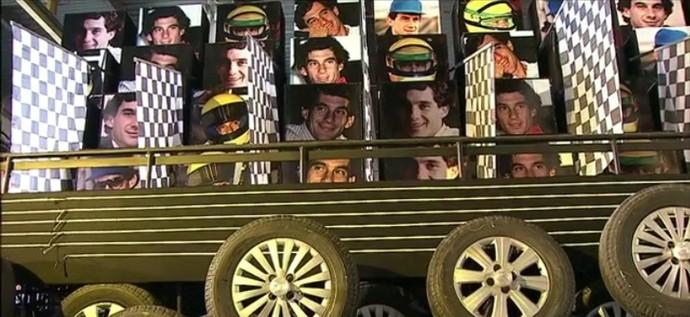 Um dos carros em homenagem ao Senna (Foto: Reprodução)