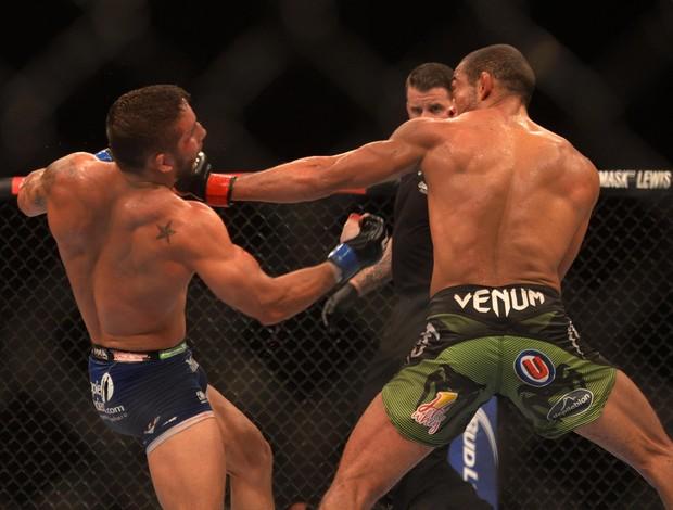 UFC Rio 5, Aldo x Mendes (Foto: Andr� Dur�o / Globoesporte.com)