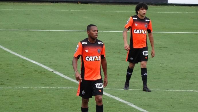 Robinho; Luan; Cidade do Galo (Foto: Bruno Cantini/CAM)