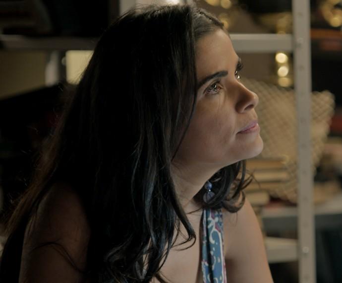Tóia pressiona Romero e exige saber sobre o mistério do passado entre ele, Djanira e Zé Maria (Foto: TV Globo)