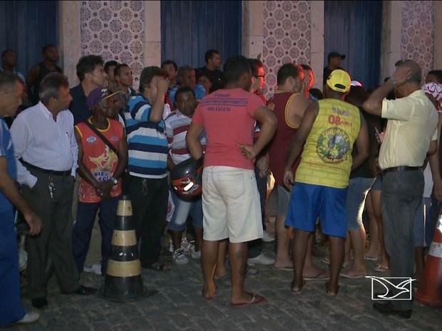Homem foi morto durante assalto na Rua Godofredo Viana em São Luís (Foto: Reprodução/TV Mirante)