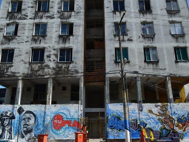 Cerca de 370 pessoas ocupam prédio desde março deste ano (Foto: Marina Fontenele/G1)